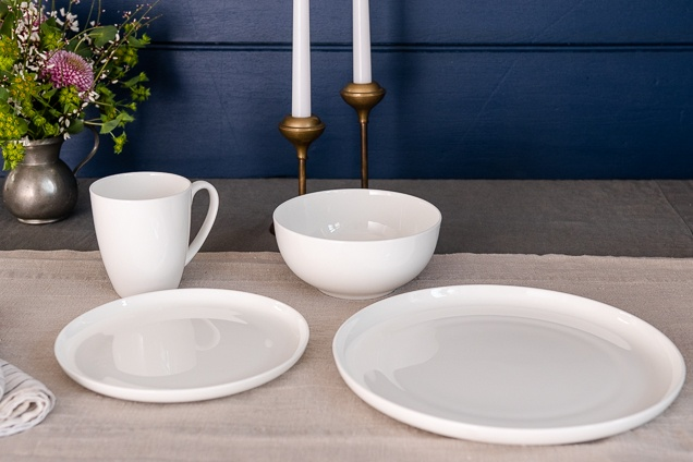 A pot, vessel, disk and denture within the Dansk Ingram hard dick Asia Dinnerware variety dinnerware specify.
