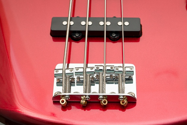 A close up systems yamaha trbx174 bass guitar support.